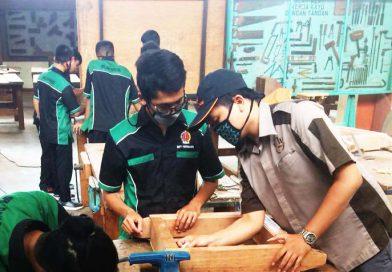 Diklat Peningkatan Kompetensi Siswa : Joinery dan Cabinet Making